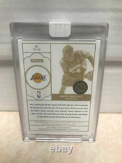 2013-14 Panini Flawless Kobe Bryant Game-Used 3 Color Patch AUTO /15 (DC)