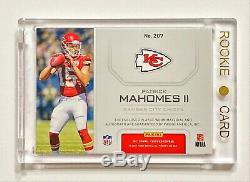 2017 Panini Certified PATRICK MAHOMES #71/75 Red 3 Color Rookie Patch Auto! HOT