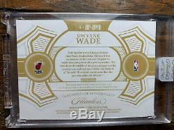 Dwyane Wade 2018-19 Flawless 3 Color Patch Auto /10 Hall Of Fame Heat Legend